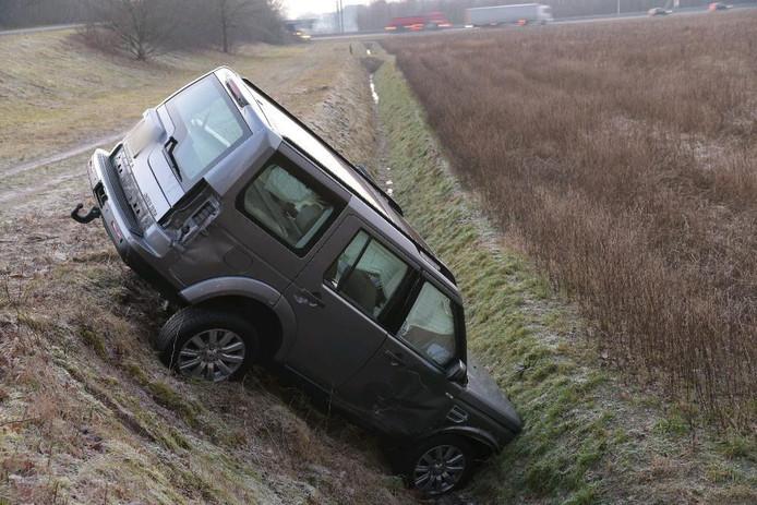 Auto van de weg geraakt in Galder