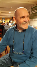 De heer A.A.J.M. (Ton) Oostelbos (69), wonende te Tilburg.