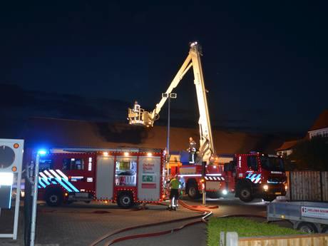 Grote brand in bouwmarkt Zutphen met vuurwerkopslag, asbest komt vrij