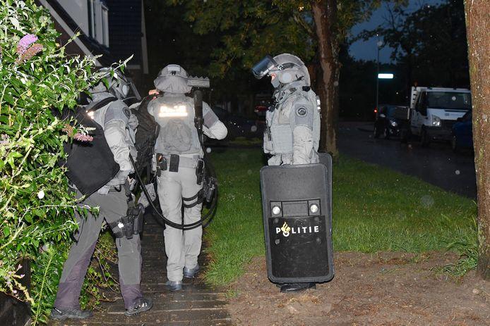 Onder meer in Wolphaartsdijk werden twee mensen aangehouden.
