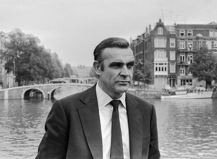 Sean Connery tijdens opnames Diamonds are Forever in Amsterdam.