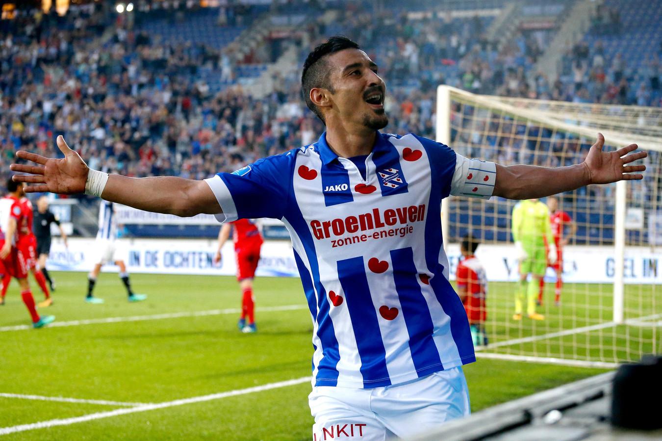 Reza Ghoochannejhad in het shirt van sc Heerenveen.