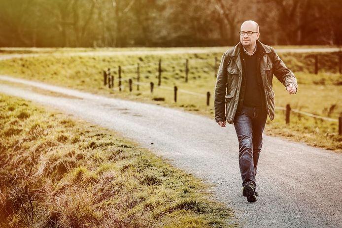 Sven Ornelis a perdu 40 kg en faisant de la marche une habitude quotidienne