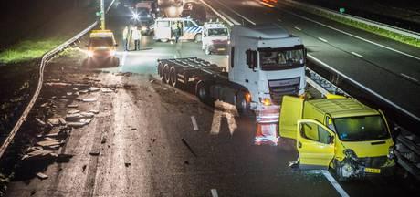 Drie snelwegen rond Rotterdam afgesloten door ongeluk