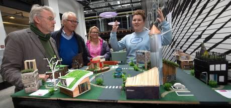 Leerlingen bouwen duurzame miniatuur-huisjes voor nieuwe opleiding in Ulft