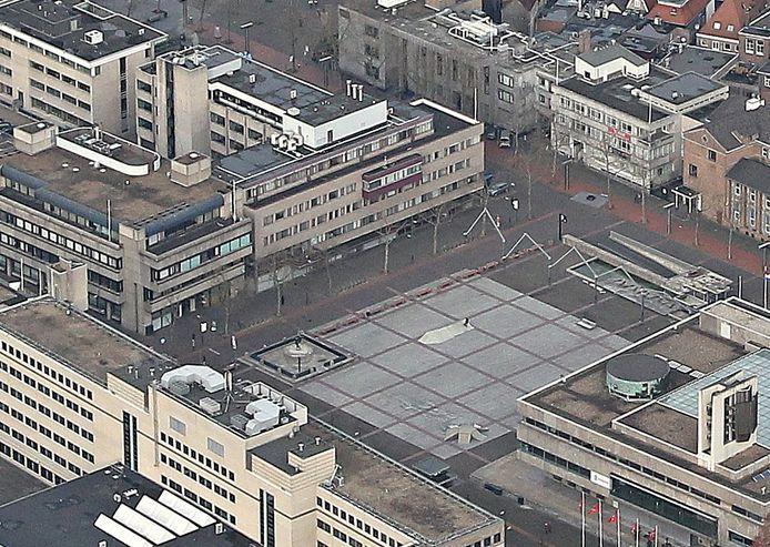 Hoogbouw in Eindhoven: De wand Wal-Stadhuisplein-Begijnenhof maakt plaats voor woningbouw, waarschijnlijk in torenvorm, onder de naam Citywall. Linksonder staat het Stadskantoor; hier maakt eigenaar Certitudo plannen voor mogelijk een woontoren tot 160 of 175 meter. Rechtsboven, op het adres Begijnenhof 35, naast het kantongerecht, wil NedBel ook een 120 meter hoge woontoren bouwen.