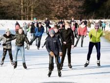 Buurt geeft strijd tegen parkeren bij ijsbaan sportpark De Elze niet op