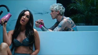 Megan Fox laat naam Machine Gun Kelly tatoeëren