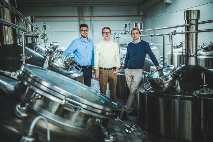 Miel, Wout en Kasper van BeerSelect opende vandaag hun brouwerij in de Poortakkerstraat.