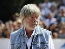 Renaud hospitalisé, il aurait subi une opération suite à une maladie pulmonaire