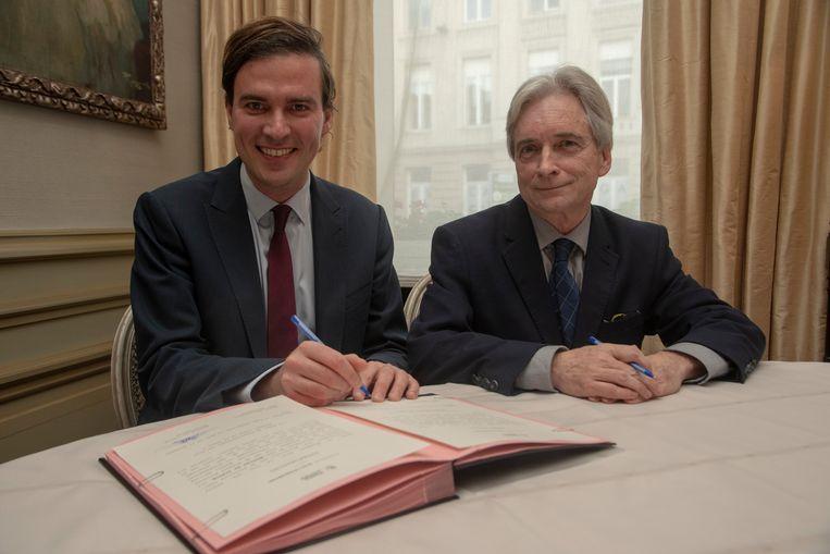 Mathias De Clercq heeft in Gent de eed afgelegd als burgemeester in handen van waarnemend gouverneur Didier Detollenaere
