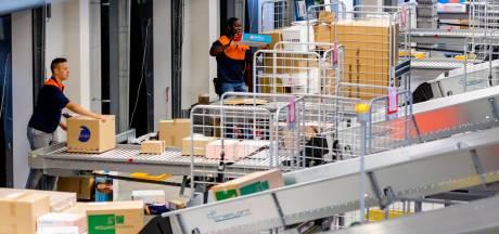 PostNL stopt met schijnconstructies rond onderbetaald sorteerpersoneel