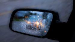 Man spoort nieuwe vlam van ex op met gps-tracker onder haar auto