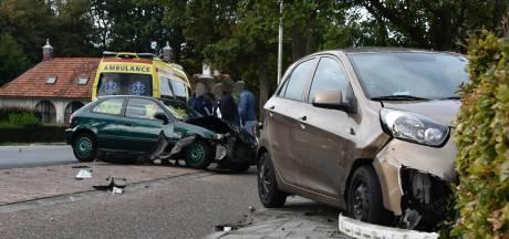 Twee gewonden bij botsing in Doornspijk
