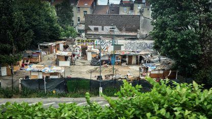 Deze sloppenwijk bevindt zich in de schaduw van Brussel-Noord