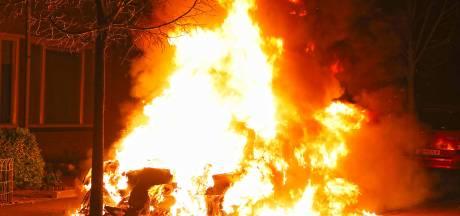 En wéér een autobrand in Oss