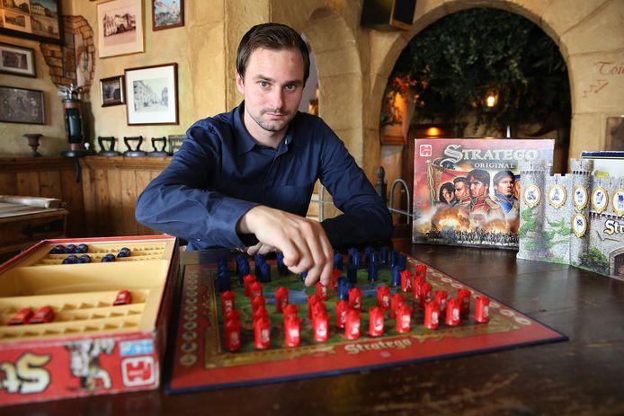Werldkampioen Tim Slagboom, idolaat van Stratego. ...Het spel heeft gewoon alles in zich...