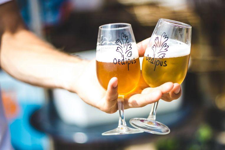 Het bier van Oedipus zal ook niet ontbreken Beeld Fotomeisjes