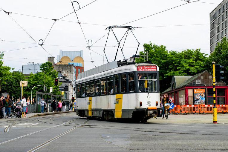 De Lijn heeft beslist het aantal trams in de spits te verlagen van 8 naar 6 per uur.
