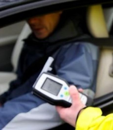 Stennisschopper moet rijbewijs inleveren nadat hij met te veel drank op achter het stuur kruipt