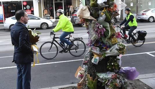 Burgemeester Stefanopoulos maakt zich hard voor een afgescheiden fietspad langs de drukke stadsroute.