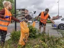 Heracles-captain Robin Pröpper maakt Rembrandtlaan schoon
