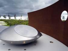 Ramp met MH17 herdacht bij het Nationaal Monument in Vijfhuizen