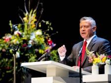 Koning van Jordanië spreekt studenten toe in theater Diligentia: 'de Islam predikt respect'