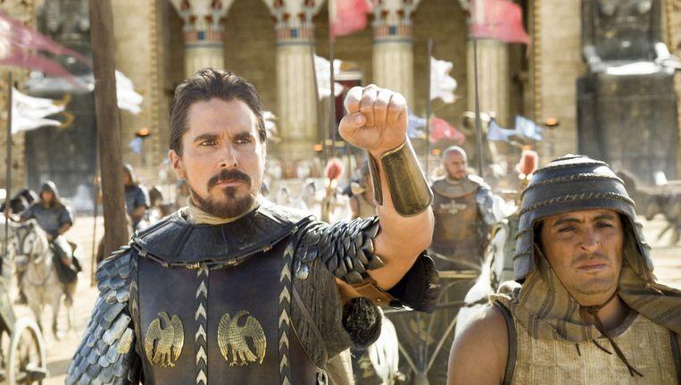 Christian Bale (links) in Exodus: Gods and Kings van Ridley Scott. Beeld
