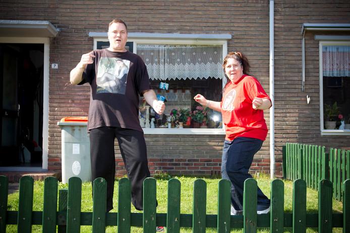 Zanger Rinus en zijn vriendin Deborah