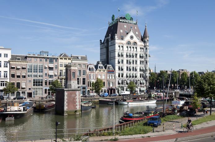 Het Witte Huis aan de Oude Haven in Rotterdam, het eerste hoge gebouw in Nederland, staat model voor de woontoren in het toekomstige stadspark van  Harderwijk.