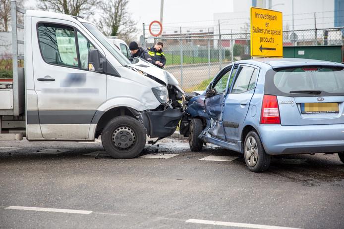 Twee voertuigen op elkaar gebotst in Roosendaal