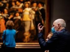 Theaters en musea in Oost-Nederland willen bezoekers mét mondkapje op: 'Voelt veiliger'