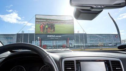 Drive-in voetbal: Deense koploper onthult ingenieus plan voor als fans stadion niet in mogen