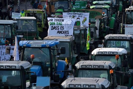 Veel boze boeren waren met de tractor naar de Duitse hoofdstad gekomen.