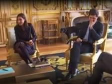 Oeps! Hond van Macron gesnapt tijdens plas tegen schouw Élysée