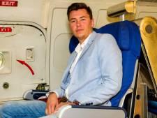 On board courier Zico (22) vliegt betaald de wereld over