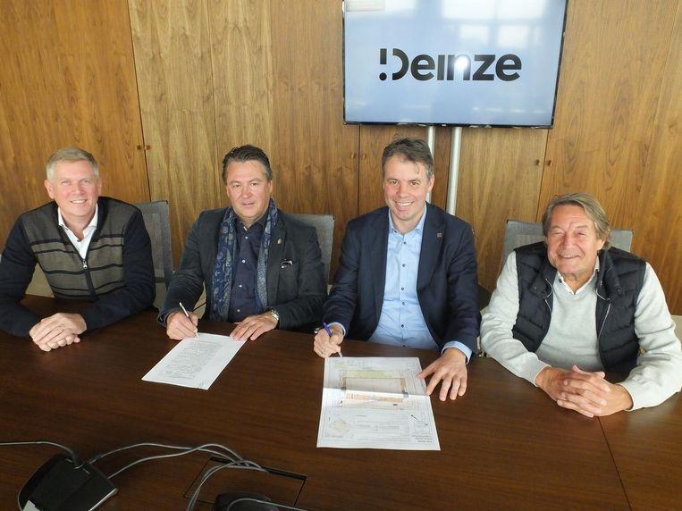 Ondervoorzitter Jan Lisabeth, voorzitter Denijs Van De Weghe, burgemeester Jan Vermeulen en schepen van sport Norbert De Mey.
