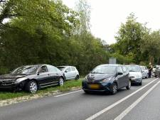 Vijf auto's botsen op Rijksweg in Malden