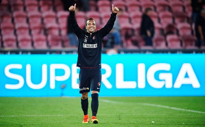 Van der Vaart bouwde op ruim een uur van Esbjerg alvast af bij FC Midtjylland, de tegenstander van Ajax morgen in de Champions League.