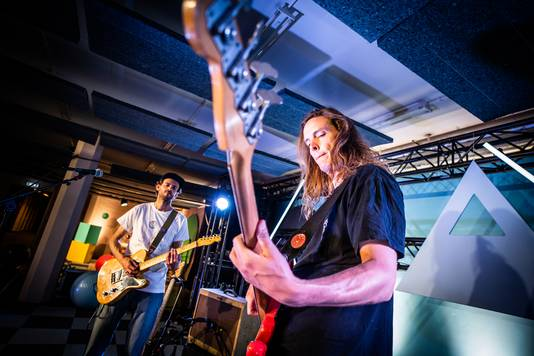 De Arnhemse surfband Dino Kids maken woensdag hun opwachting in de show.