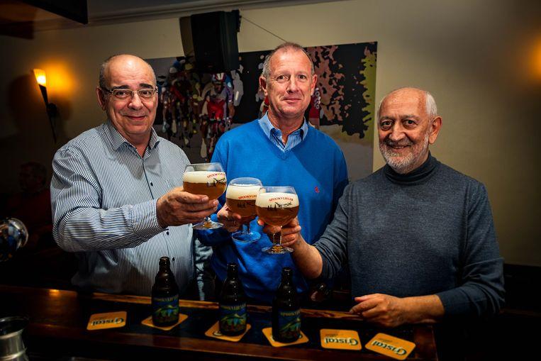 Spookvlieger-bier. V.l.n.r.: Jan Feytons, Guido Smets, Vic Brugmans.