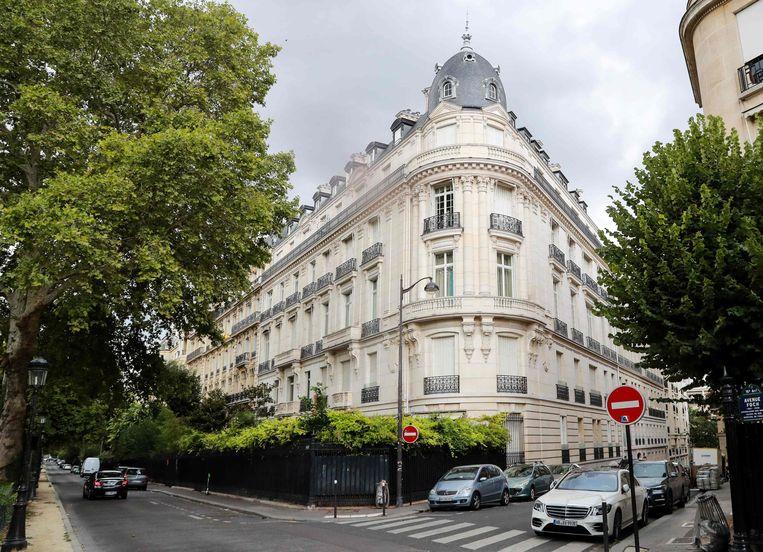 Onder meer een appartement in dit riante gebouw in Parijs behoort tot de eigendommen van Epstein die diens broer hoopt te erven.