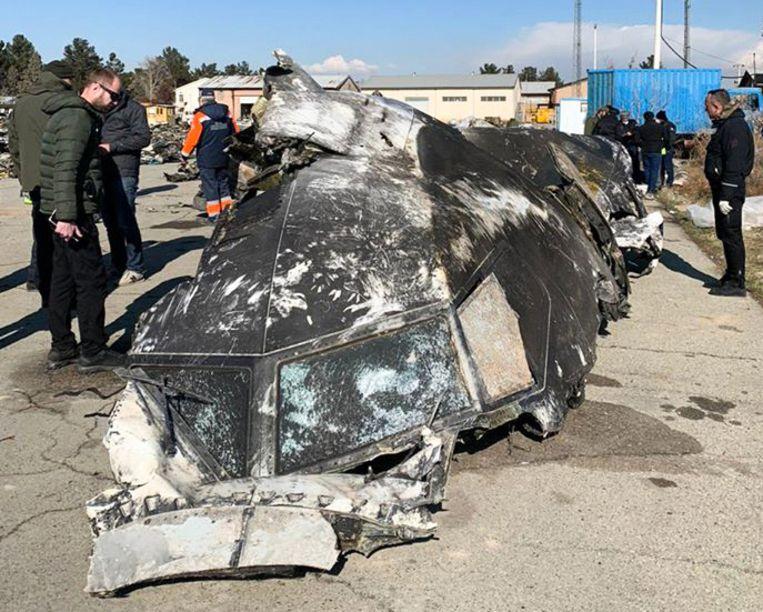 Een deel van de Oekraïense Boeing na de crash.
