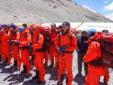 Chinezen checken of de Everest echt 8844 meter hoog is