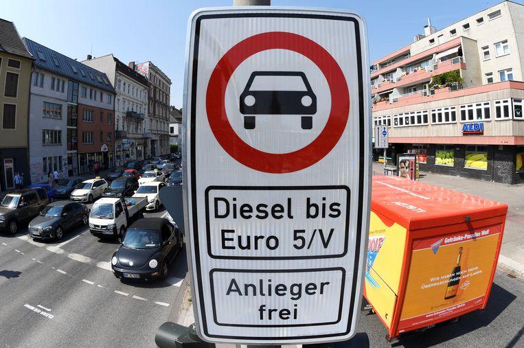 In Hamburg, de op één na grootste stad van Duitsland, geldt sinds juni een verbod op oudere dieselvoertuigen in het stadscentrum.