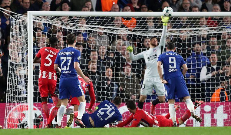 Oblak hield Atlético meermaals recht dit seizoen, zoals hier in de Champions League tegen Chelsea.
