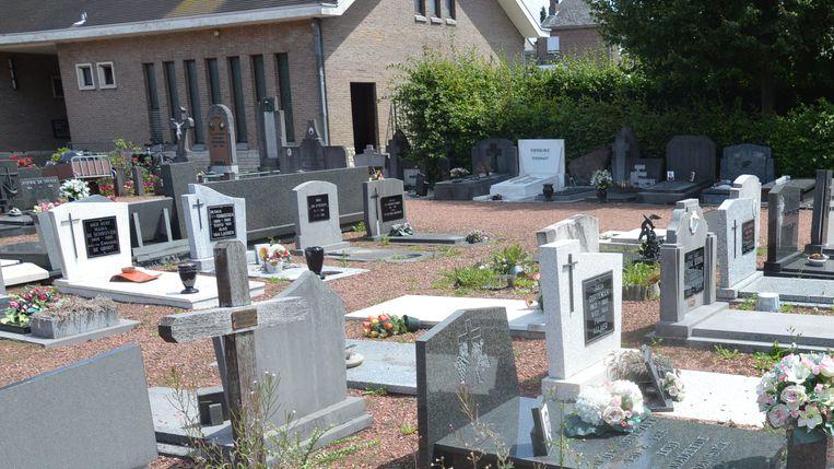 Archiefbeeld van de begraafplaats van Denderleeuw.