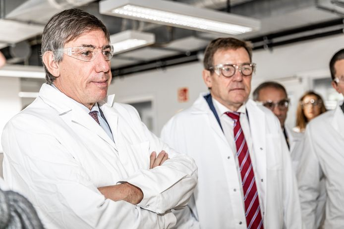 Opening nieuw gebouw van Douane en Accijnzen door minister van Financiën Johan Van Overtveldt (N-VA) en vicepremier Jan Jambon (N-VA).