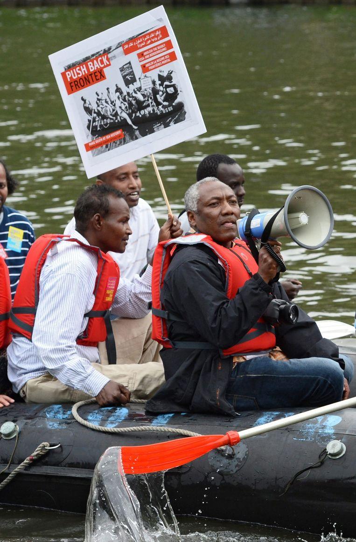 Vluchtelingen van Somalië protesteren voor het Europees parlement in Strasbourg.
